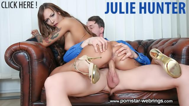 Julie Hunter fickt ihren Boss im BumsBuero